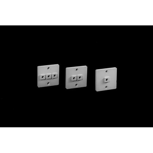 Накладка для наружной проводки серая (количество выводов 3)